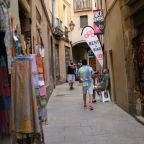 Spain's unemployment rises amid new COVID outbreaks, tourist restrictions
