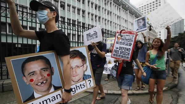 Protesters demand US apology over spy scandal
