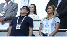 """Exprometida de Maradona asegura que terminó con él """"por la edad"""" y porque no la apoyaba"""