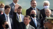 """Bolsonaro afirma que Argentina va """"pésimamente mal"""" por culpa del """"comunismo"""""""