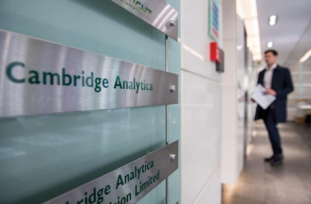 Cambridge Analytica accused of violating US election laws