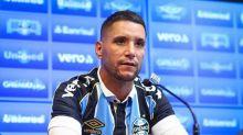 Em tom melancólico, vínculo com Thiago Neves deve ser encerrado pelo Grêmio