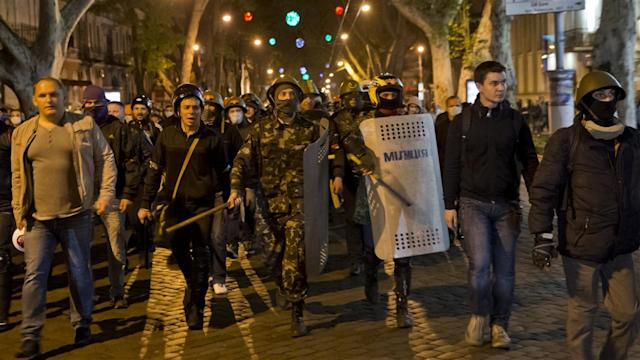 Ukrainian Citizens Defend Cities Against Separatists