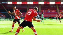 Ancelotti slams 'joke' red card as Saints end Everton's unbeaten start