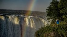 Zimbabwe edges back onto tourist map