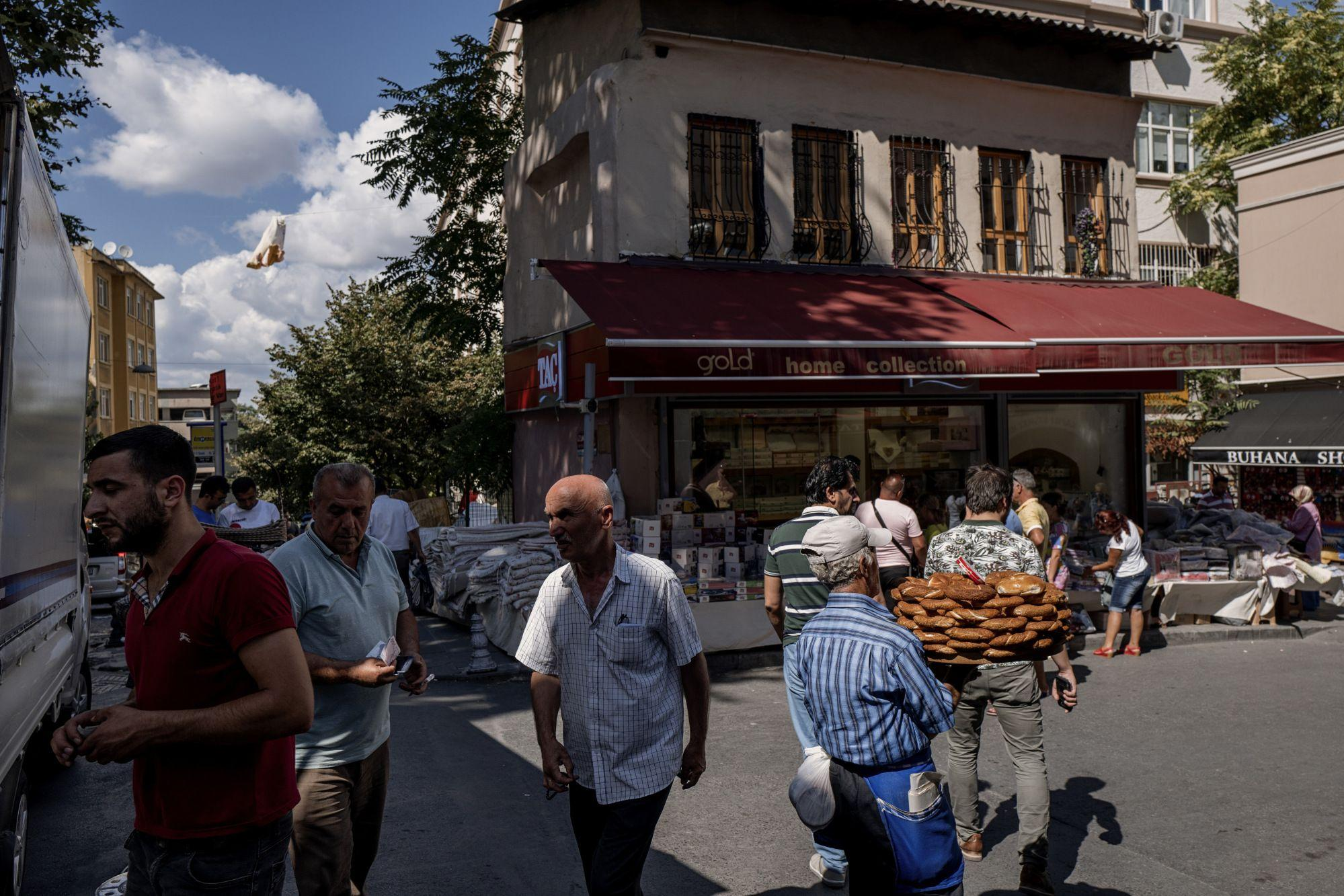 Turkish Price Slowdown Resumes to Set Stage for More Rate Cuts