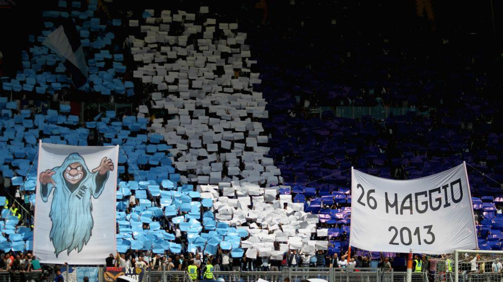 La Curva Nord omaggia Totti: striscione durante Lazio-Inter