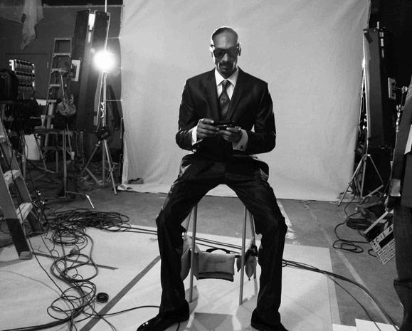 Snoop Dogggg goes 4G to celebrate launch of Samsung Galaxy Indulge, was probably paid more than 4Gs to do it
