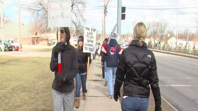 6pm: Strongsville teachers back on picket line after bargaining session
