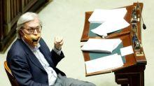 """Vittorio Sgarbi: """"Se Silvio dovesse peggiorare vorrà dire che ho sottovalutato il covid. Mi auguro di no"""""""