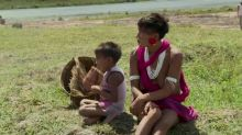 Bolsonaro veta trechos de lei de ajuda a indígenas
