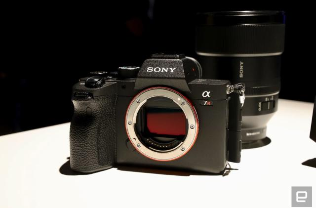 A closer look at Sony's A7R IV full-frame, 61-megapixel mirrorless camera