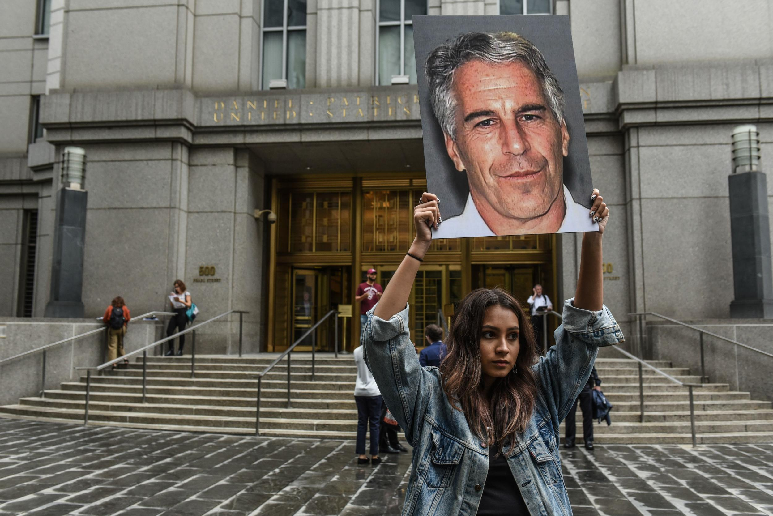 Defense lawyers seek house arrest for Jeffrey Epstein
