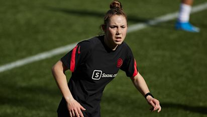 Teen soccer star sues NWSL seeking right to play
