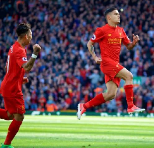 Coutinho marca golaço de falta, mas Crystal Palace vira sobre o Liverpool