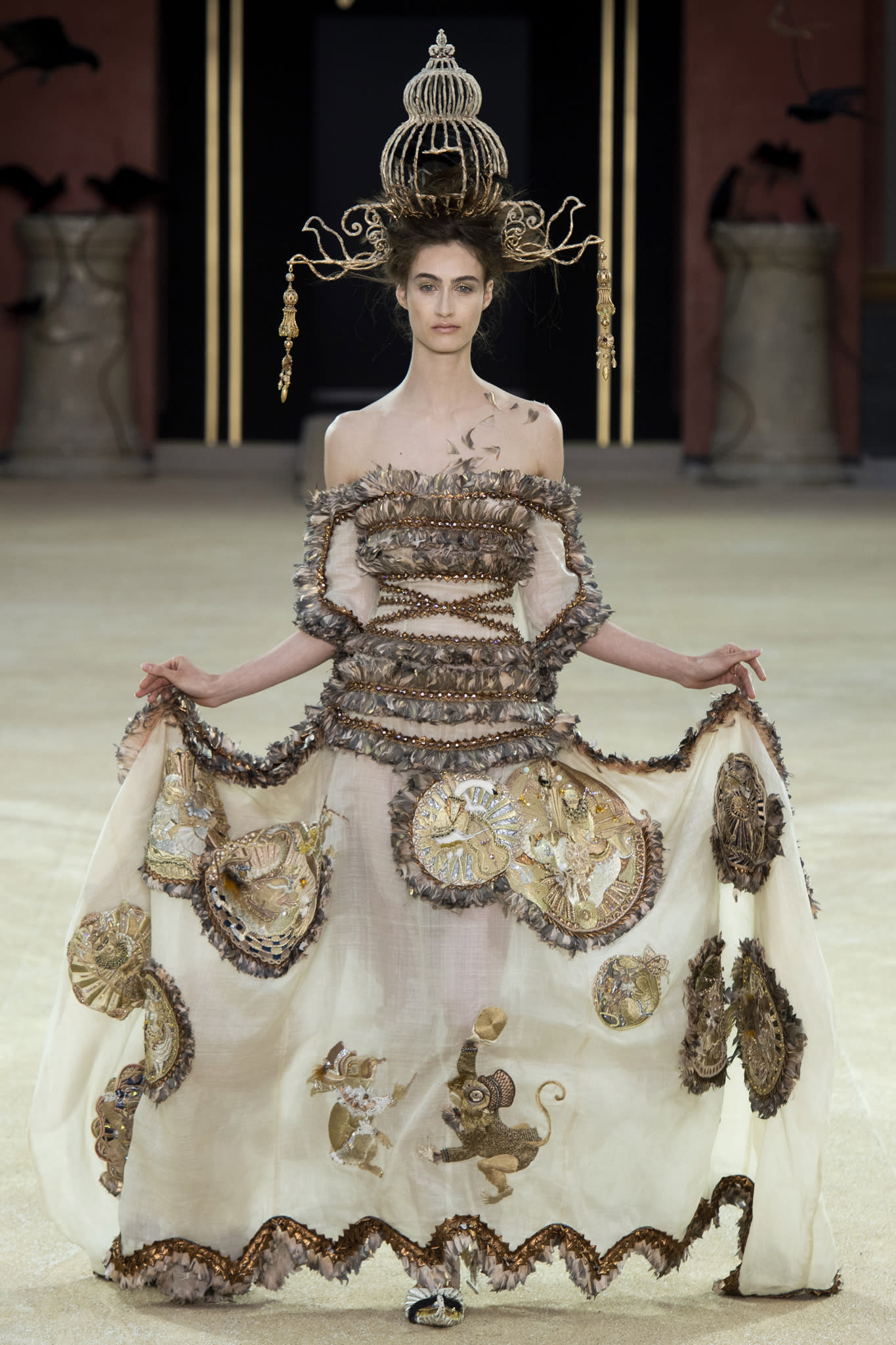 Guo Pei Helps Asian Couture Federation Launch Jinan In Style International Fashion Week