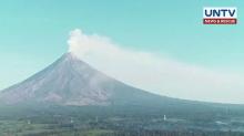 Mt. Mayon spews white smoke, signals calming of the volcano – PHIVOLCS