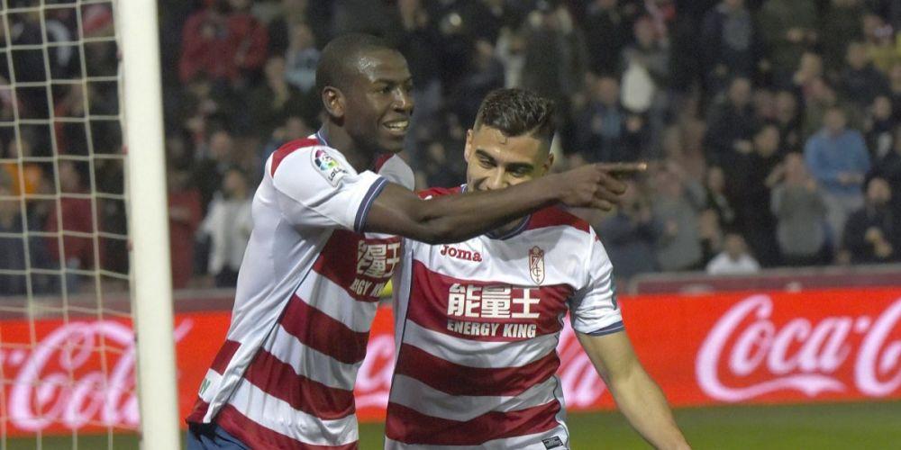 Granada le puso precio a la salida de Adrián Ramos