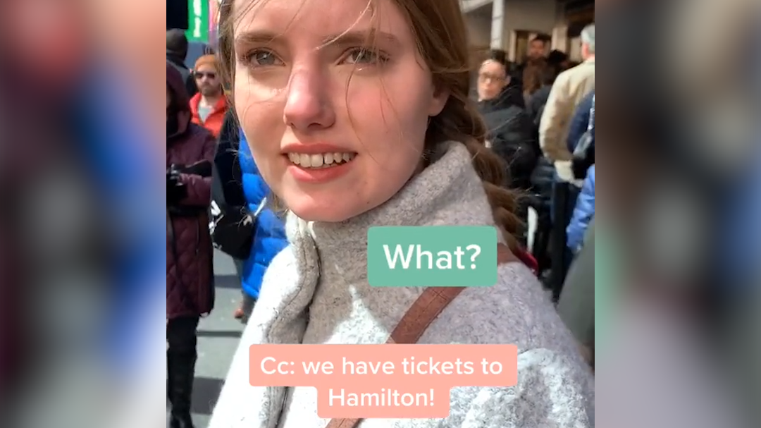www.yahoo.com: Daughter is surprised by gifted 'Hamilton' tickets