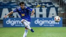 Cruzeiro confirma lesão no joelho direito do lateral Rául Cáceres