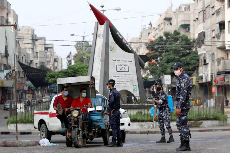 FILE PHOTO: Israel, Hamas agree to restore calm along Gaza border
