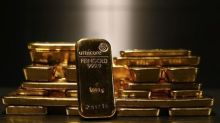 Gold Prices Struggle to Make Headway as Strength in Dollar, Yields Weighs