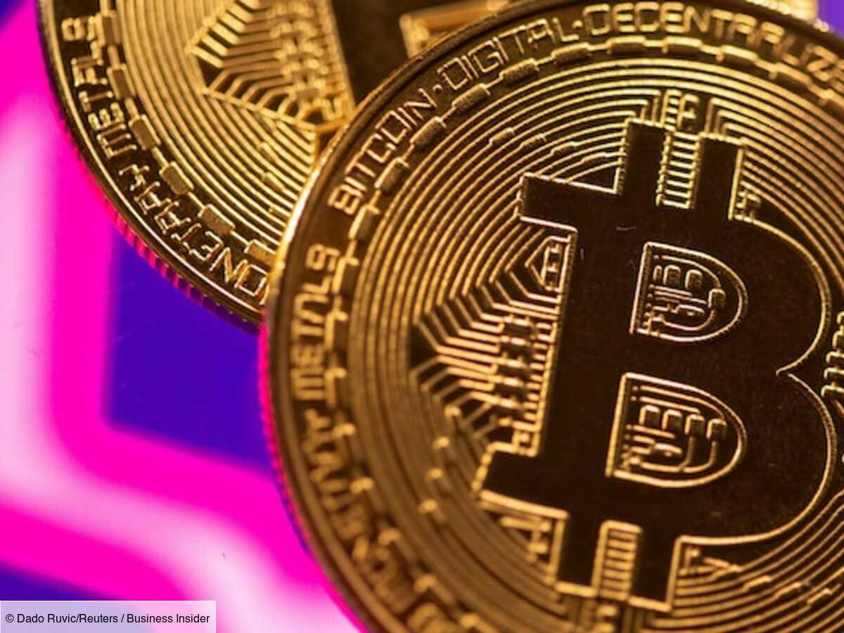 Le bitcoin a atteint un nouveau sommet historique au-dessus de 64 000 dollars le 14 avril, avant les débuts de Coinbase sur le marché, dans une frénésie qui continue d'être en partie alimentée par les investisseurs institutionnels. L'évolution q