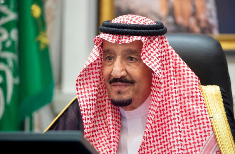 In U.N. debut, Saudi king calls for comprehensive solution on Iran