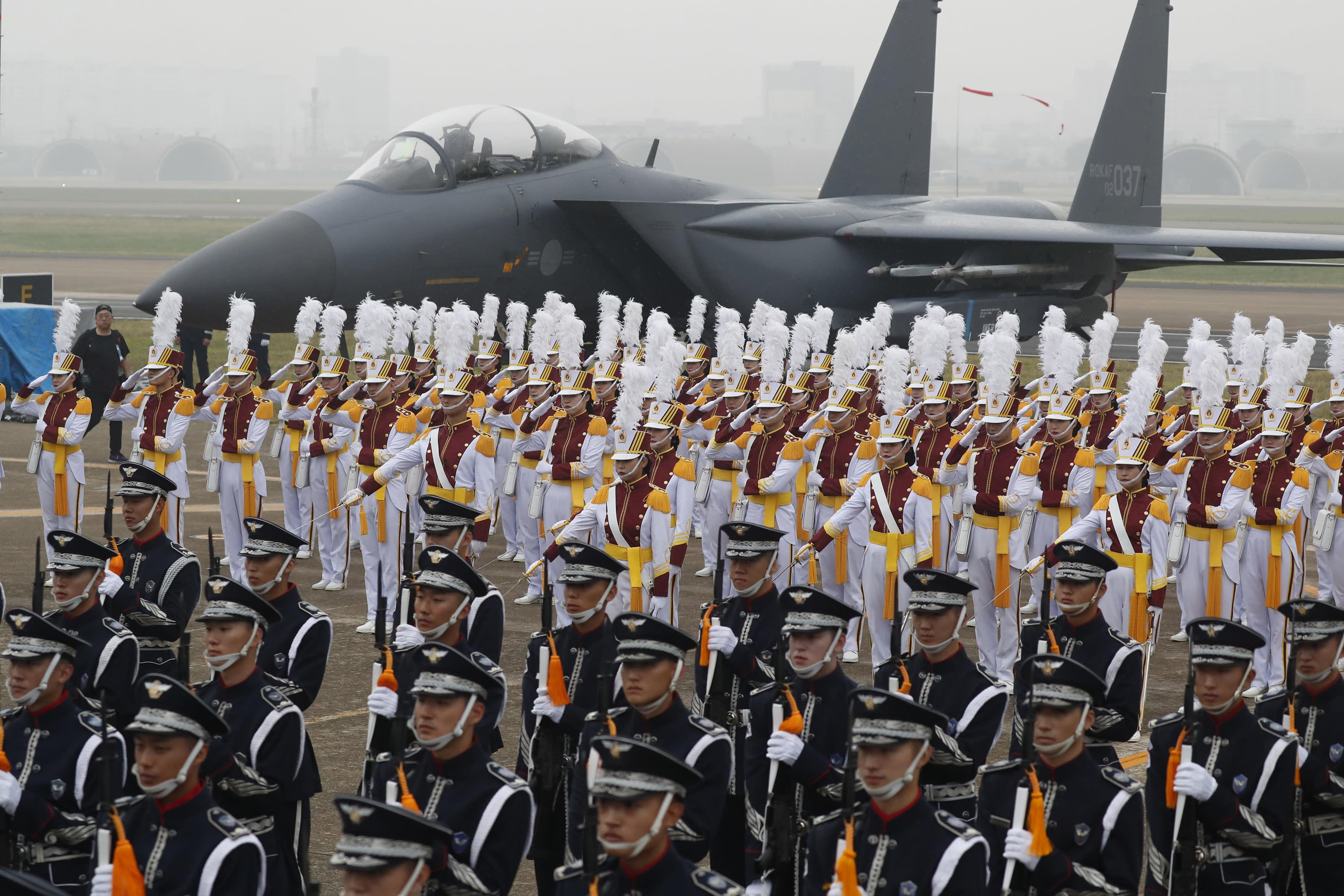 Japan, US, S.Korean defense chiefs meet in US