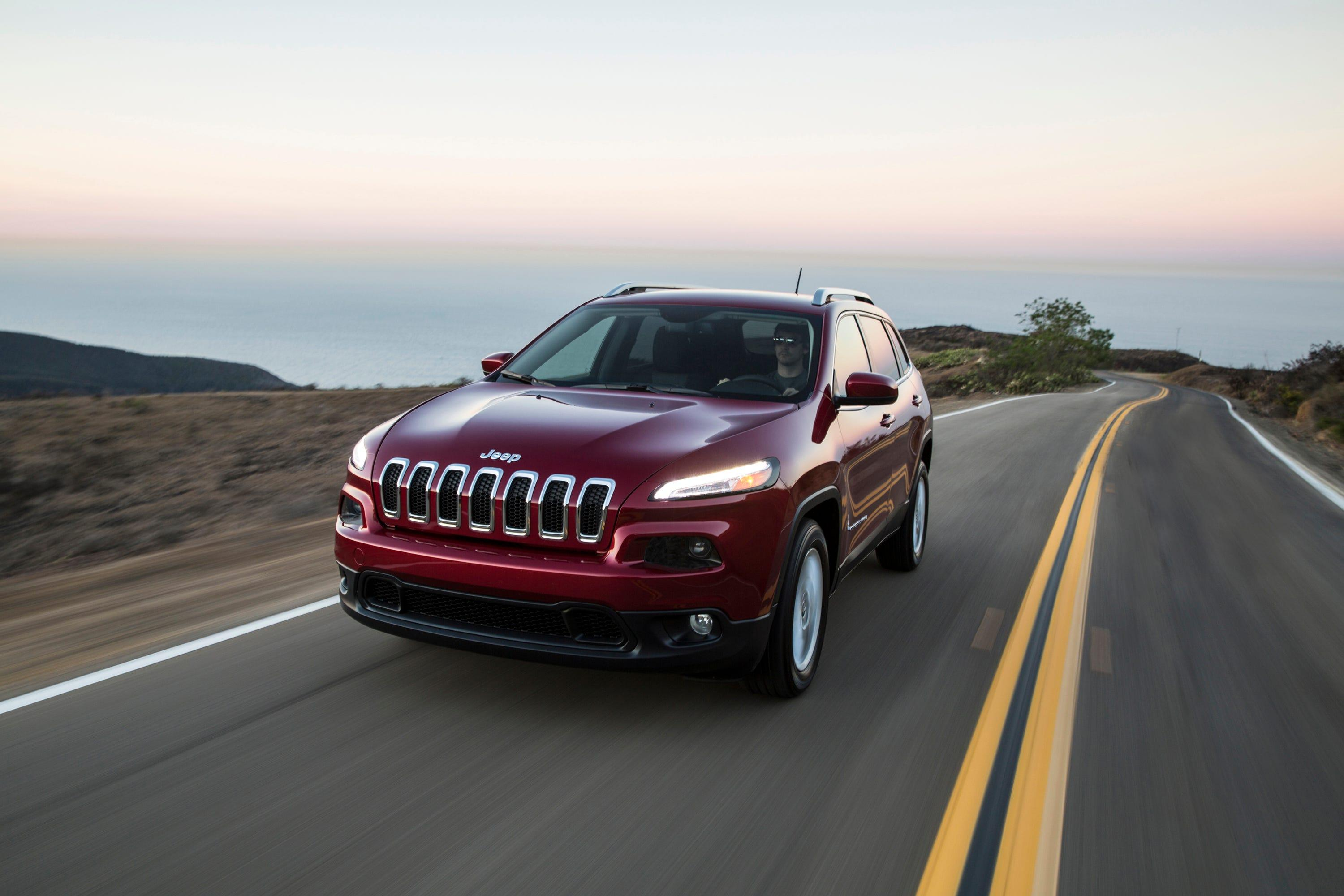 Fiat Chrysler planning for big recall on engine used in Jeeps