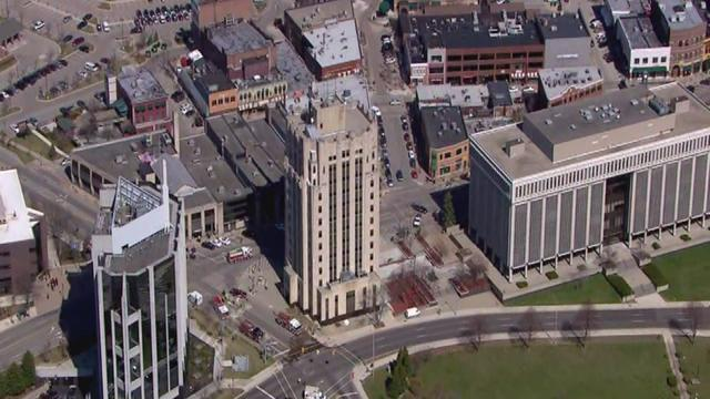 Fire at old Macomb County building