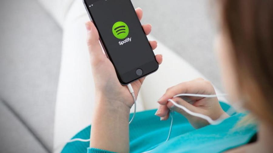 Spotify prepara el lanzamiento de un dispositivo para el auto