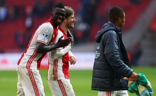 Previa Ajax vs Schalke 04 - Pronóstico de apuestas Europa League