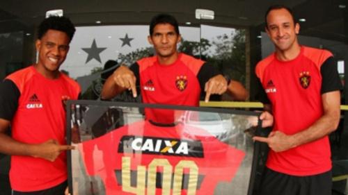 Durval completa 400 jogos com a camisa do Sport e recebe homenagem