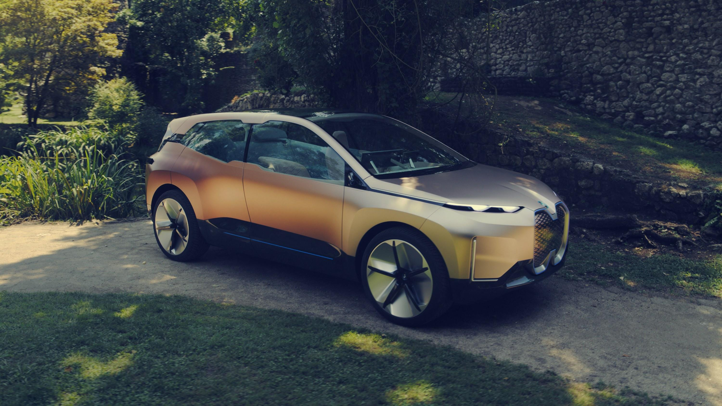 <strong>What It Is</strong>: A full-size, autonomous-driving-capable SUV, endowed with next-generation touch-sensitive controls embedded into the interior's wood trim and seat fabric.<br> <strong>Expected Range</strong>: 360 miles<br> <strong>Projected On-Sale Date</strong>: 2021<br> <strong>Estimated Base Price</strong>: $85,000