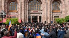 Armenia PM storms out of talks with opposition leader
