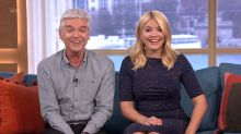 WATCH Holly Willoughby Stunned By Identical Twins Who Share A Boyfriend