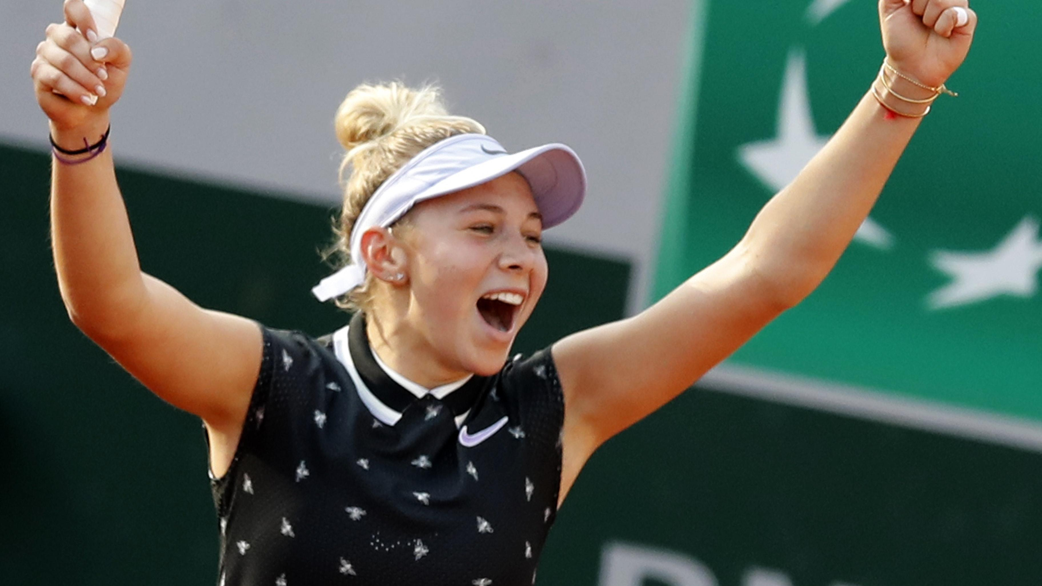 Simona Halep Eases Past Iga Swiatek To Reach French Open Quarter Finals