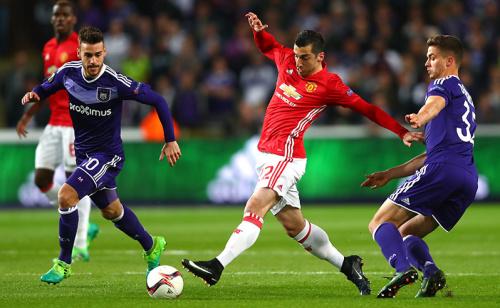Anderlecht segura o Manchester United? Feito vale oito vezes mais!