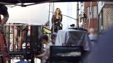 Pour Intimissimi, Sarah Jessica Parker rejoue Carrie Bradshaw
