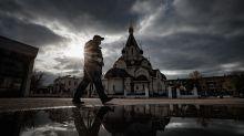 Rusia registra por segundo día consecutivo récord de fallecidos por covid-19