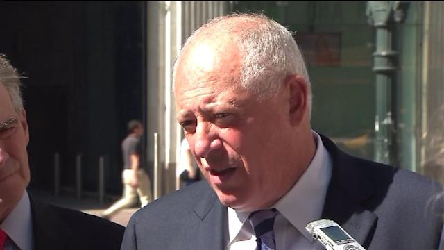 Two judges deny Governor Quinn`s request to block lawmaker pay