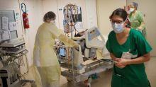 """Coronavirus : """"On a constaté une petite reprise d'activité avec des Covid-19 aigus"""", alerte un médecin de l'hôpital Bichat à Paris"""