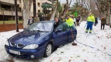 Cinco vuelos desviados en Málaga, desalojada una guardería y una vía cortada