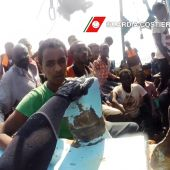 Three dead, Italy migrant rescues hit 12,500 in four days