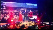 VIDEO Rafael Amaya se aparece en el concierto de Gloria Trevi y Alejandra Guzmán