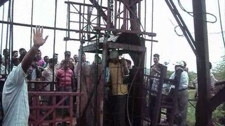27 trapped miners rescued in Burdwan