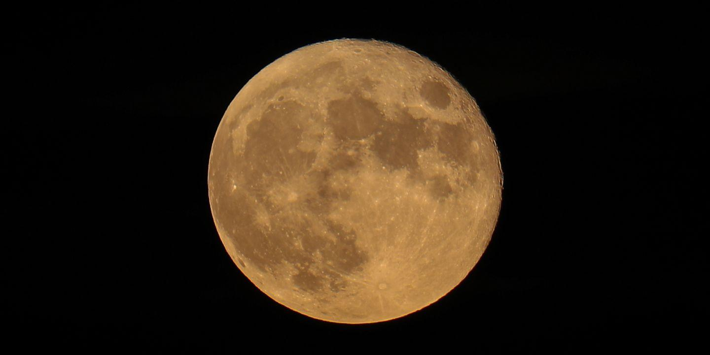 Make Sure You Never Miss a Full Moon In 2021 With This Calendar - Yahoo Lifestyle