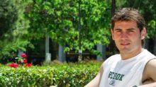 Iker Casillas vuelve a 2004 con un look muy particular