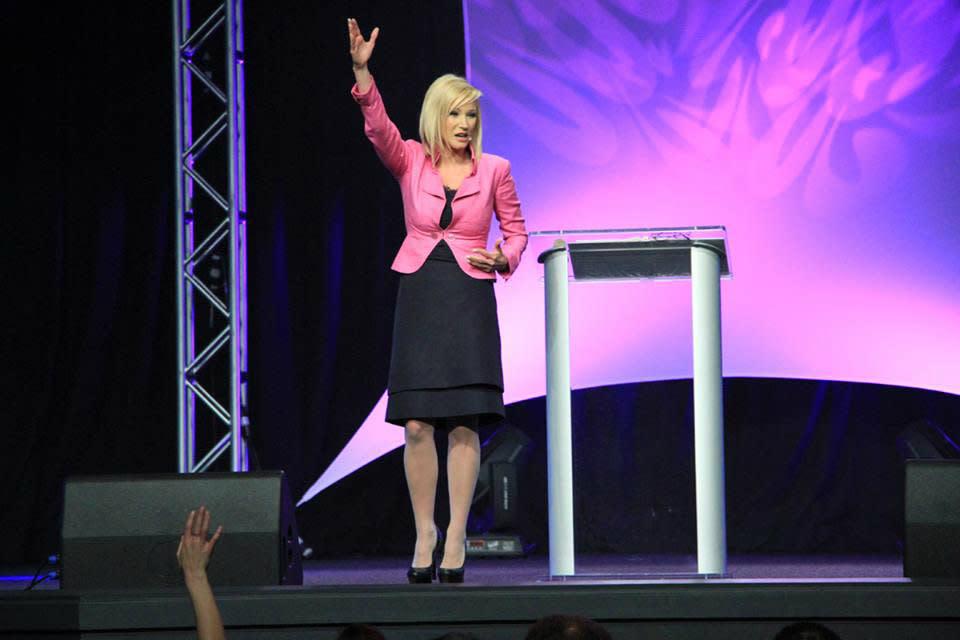 Who Is Paula White Donald Trump S Spiritual Counselor